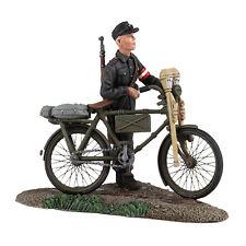 W. Britain: 25036 - German Hitler Youth Pushing Bicycle No.1