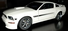 AutoArt Ford Mustang GT 1:18 /  White