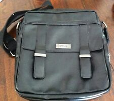 KENNETH COLE Reaction Backstreet Day Bag MESSANGER/ IPAD BAG BLACK
