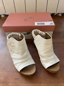 Moda in Pelle Mahila Foot Covered Sandal In White Leather Uk 6, Ex Display, 293