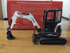 Rare Universal Hobbies Bobcat E26 With Cabin Compact Excavator 1/25 Scale UH8132