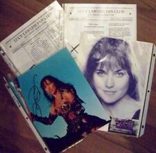 XENA - LUCY LAWLESS CLUB 8X10 AUTOGRAPHED PHOTO & NEWSLETTERS + ID CARD