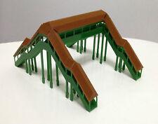 Outland Models Modelleisenbahn Fussgängerbrücke Brücke (4 Eingänge) Spur Z / N