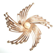 Beautiful Solid 9ct Gold 375 Gold Real Peal Spray Brooch approx 5.2 grms