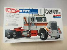 Monogram Freightliner Conventional 1/32 Scale Snap-Tite # 1202 from 1979