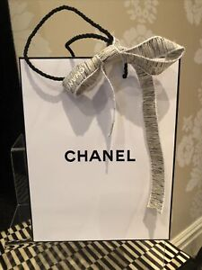 Chanel White Gift Paper Carrier Bag Gold/White Ribbon Small Size L18cm H23cm