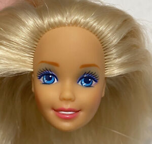 BARBIE DOLL HEAD ONLY FOR REPLACEMENT OR OOAK BLONDE BLUE EYES PINK LIPS