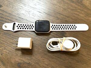 Apple Watch Series 4 Nike+ 44 mm Silver Platinum Sport MU6K2LL/A GPS, GREAT!