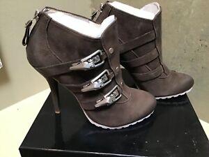 NIB Boutique 9 Bondina leather ankle boots bootie heels shoes 7 US