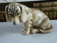 Skulptur eines Hundes, Beagle ? um 1900. Fritz Kochendörfer. Höhe ca. 14 cm