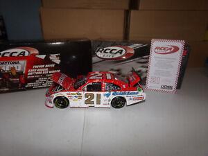 1/24 TREVOR BAYNE #21 MOTORCRAFT DAYTONA 500 WIN ELITE 2011 ACTION NASCAR