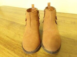 7 Toddler Girls - Osh Kosh Bgosh Brand - Tayana Fringed Ankle Boots - Zippered