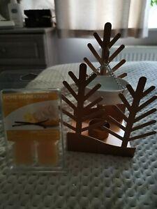 Yankee Candle Winter Village Wax Melt Warmer And 6 Vanilla Frosting Wax Melts
