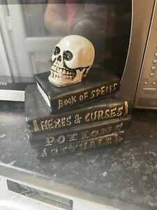 Big Skull Head On Spell Book Stack Rubber Latex Mould mold Gothic Halloween