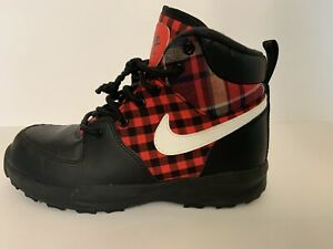 Nike Manoa SE Plaid Youth  Kids AR1704-001 Black Red White Boots Size 3.