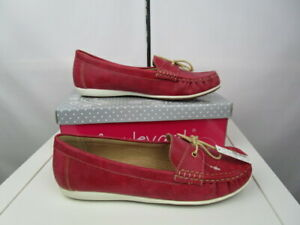Boulevard Apron fronted saddle casual lace up deck type shoes.Summer Red UK8