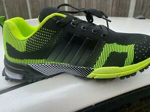 MENS TRAINER SIZE 10