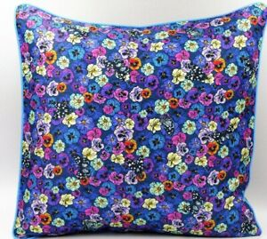**Exclusive**  Wild Pansy cushion (Blue)