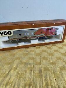 TYCO Santa Fe 4015 HO Locomotive Scale Electric Train Emd F7 LNIB