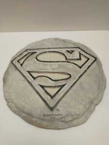 Spoontigues Superman Stepping Stone Wall Plaque unpainted