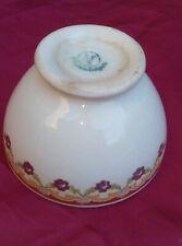 petit bol en faïence de BFK BELGIQUE decor floral Diamètre 8,8 cm. H 5,5 cm.