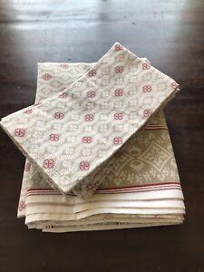 "William Sonoma Tablecloth & 8 Napkins 70""x 90"" NWOT"