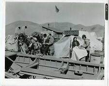 PHOTO FILM NORTH TO ALASKA Le grand SAM 1960 JOHN WAYNE HATHAWAY une scène