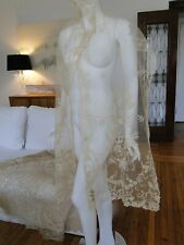 ANTIQUE LACE - CIRCA 19THC. ORNATE BRUSSELS LACE SHAWL/STOLE