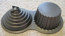WILTON GIANT CUP CAKE PAN ~ PRE-OWNED NEVER USED ~ CAST ALUMINUM