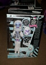 NEW Mattel Monster High 1st Wave 2011 Abbey Bominable Doll w/ Diary Shiver Pet
