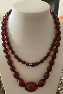 Vintage Art Deco Bakelite cherry amber faceted opera long bead necklace