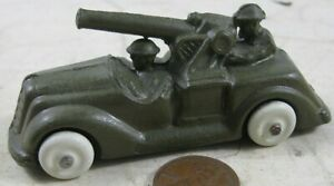 Vintage Manoil Barclay Army 2 Soldier in Cannon Car Green
