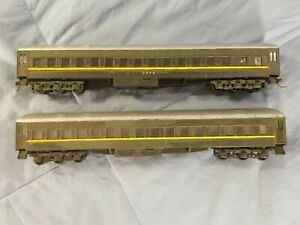 Lot of 2 Vintage HO Scale Railroad Passenger Cars - Green Yellow Silver Color