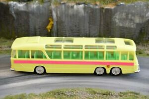 Clifford Toys - Vauxhall Vega Major Touring Coach - Plastic - Friction Drive