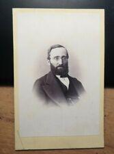 Mann mit Bart & Brille im Anzug - Portrait - ca. 1860/70er Jahre / CDV