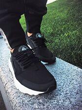 Nike Air Huarache (black/white) Brand New