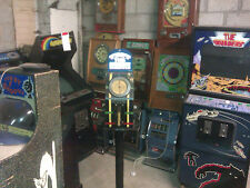 VINTAGE COLLECTABLE OLD PENNY STRENGTH TESTER ARCADE MACHINE ON STAND IN HULL
