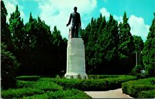 Baton Rouge LA Huey P Long Monument Postcard unused (13084)