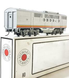 STEWART HOBBIES 8205 HO MODEL RAILWAYS - SANTA FE SILVER LIVERY EMD F3B UNIT