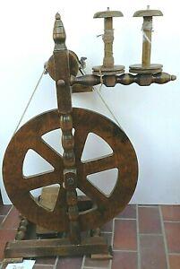 Spinnrad (BEA / Werk-Willy) + 2 große Spulen - abnehmbare Lazy Kate  (308)