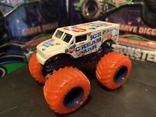 Hot Wheels Monster Jam Truck 1/64 Diecast Metal Clear Crushers Ice Cream Man