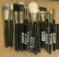 M.A.C  *NEW *BRUSHES