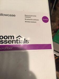 ROOM ESSENTIALS MICROFIBER PILLOWCASE STANDARD