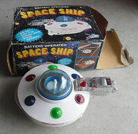 RARE Vintage Soma Battery Operated Space Ship X711 Toy in Box Works