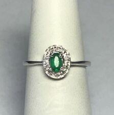 Anelli di lusso con gemme ovale smeraldo in argento sterling