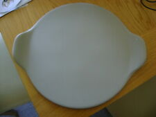 THE PAMPERED CHEF 13 INCH PIZZA STONE WITH HANDLES AND INSTRUCTIONS