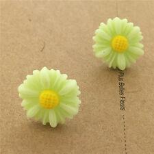 New Cute Elegant small Flower Plastic Stud Earrings - London Store