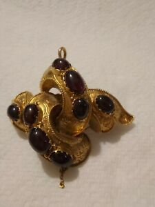 15ct GOLD Victorian Love Knot Pendant/Brooch With Garnets