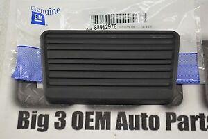 Chevrolet GMC Cadillac Adjustable Pedals BRAKE PEDAL PAD new OEM 88982976