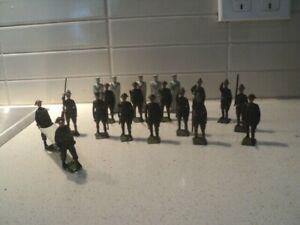 Antique Britains England military diecast figures (20)